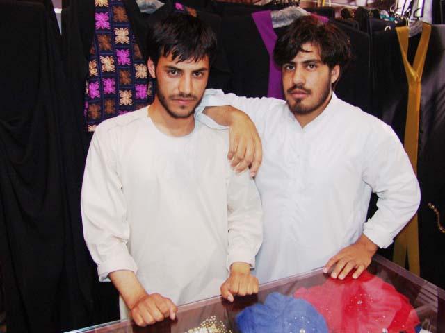 Al Anood Abaya & Shaila - DSC08445.JPG