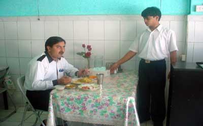 Aghaz Restaurant - 3.jpg