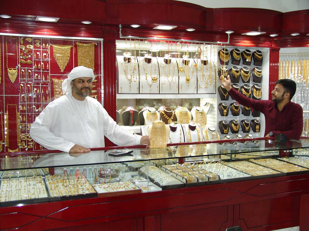 مجوهرات البادية فرع ابو ظبي - 2.jpg
