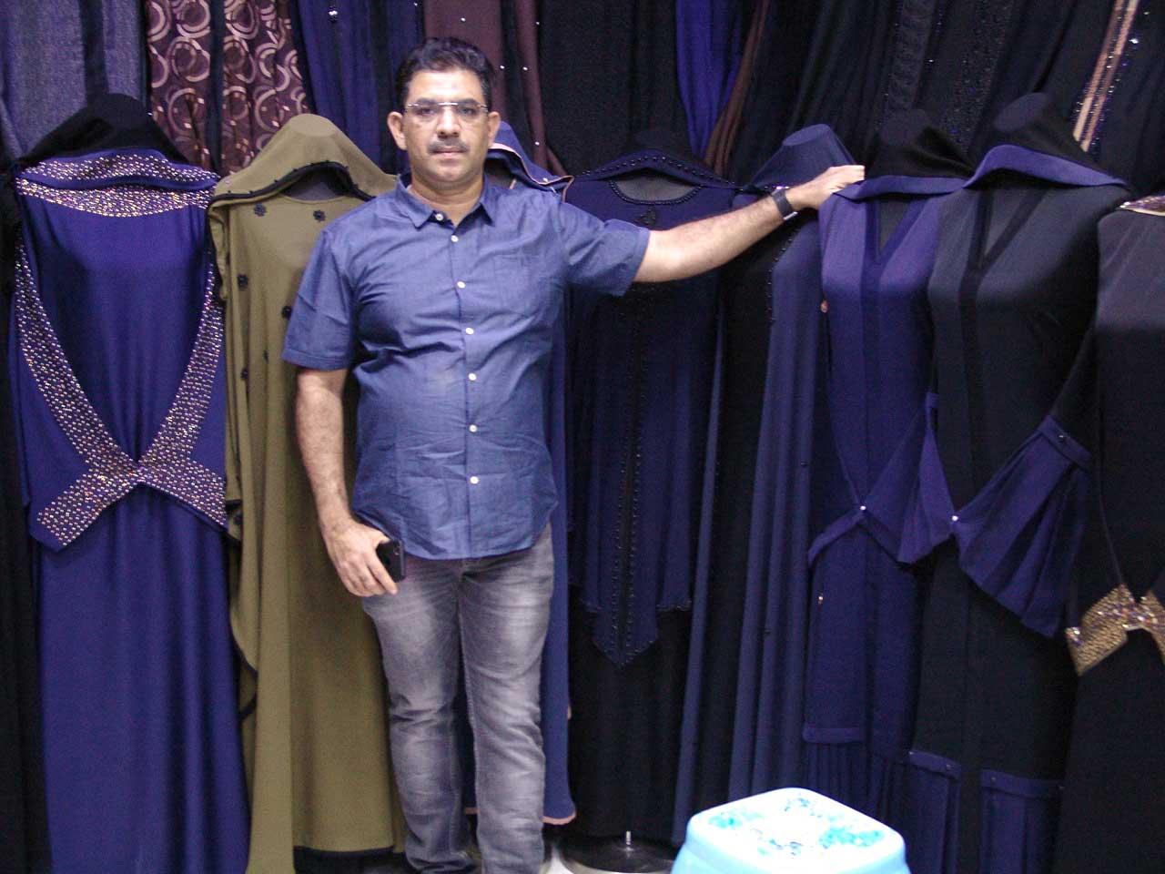 Al Tameem Abaya Gar & Textiles Trading - DSC03734.jpg